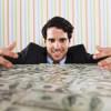 ¿Puede ganar un becario 75.000 euros en un año?